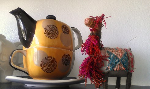 A favorite from my teapot collection.